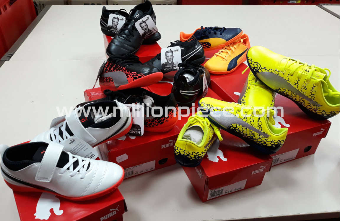PUMA Soccer Shoes Kids 3 - BRAND OFFER